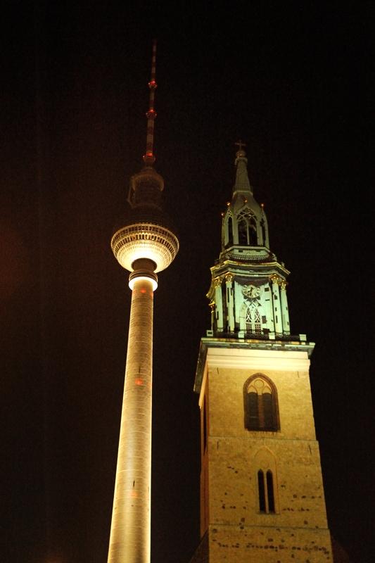 Fernsehturm en Marienkirche